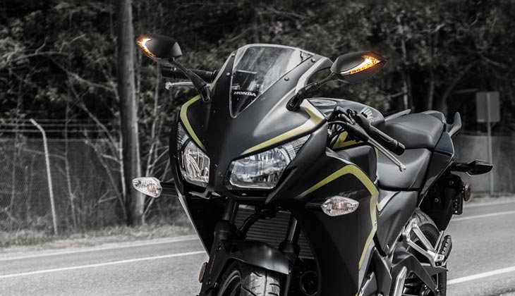 KiWAV Lucifer-sports mirrors on Honda CBR 300R