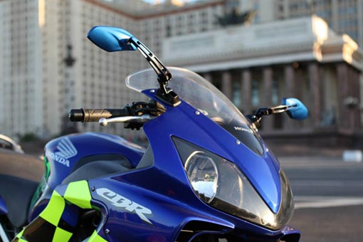 KiWAV Medusa blue mirror on Honda CBR