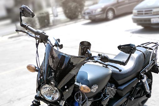 KiWAV ViperII Bblack bar end mirrors on Harley