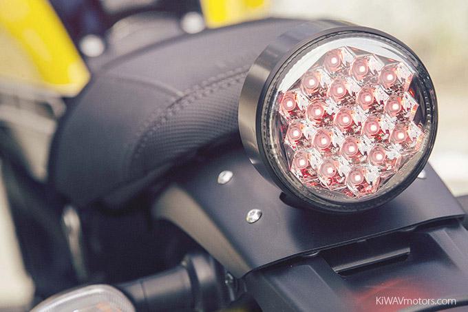 Yamaha XSR900 Digital tachometer and speedometer - KiWAVmotors