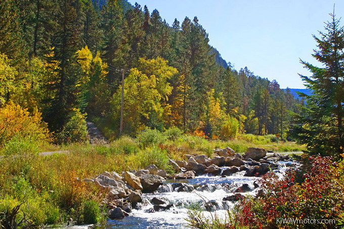 KiWAV motors 6 scenic routes - Spearfish Canyon